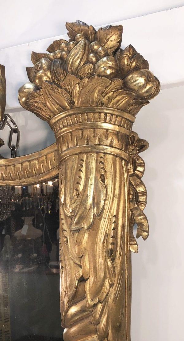 Early 19th Century American Federal Gilt Wood Mirror